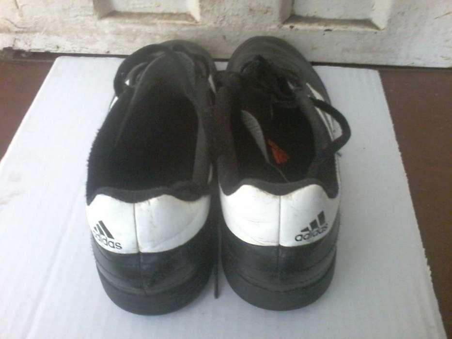 Guayos color negro, marca Adidas, usados como nuevos, para niño, sólo 2 posturas, celular 3162654540