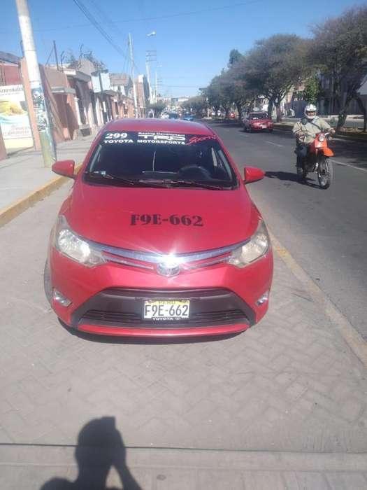 Toyota Yaris 2014 - 100000 km