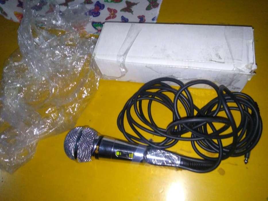 Vendo Micrófono Nuevo Lg en Su Caja