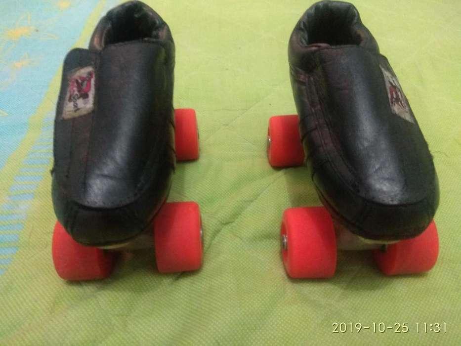 Venta de patines de cuatro.