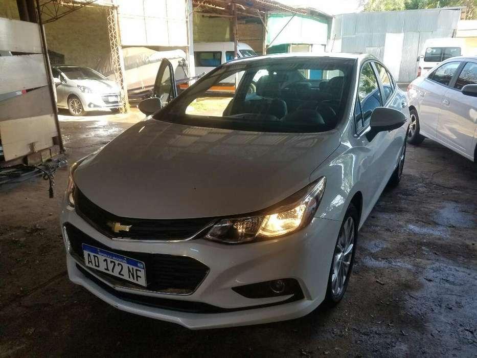 Chevrolet Cruze 2018 - 11869 km
