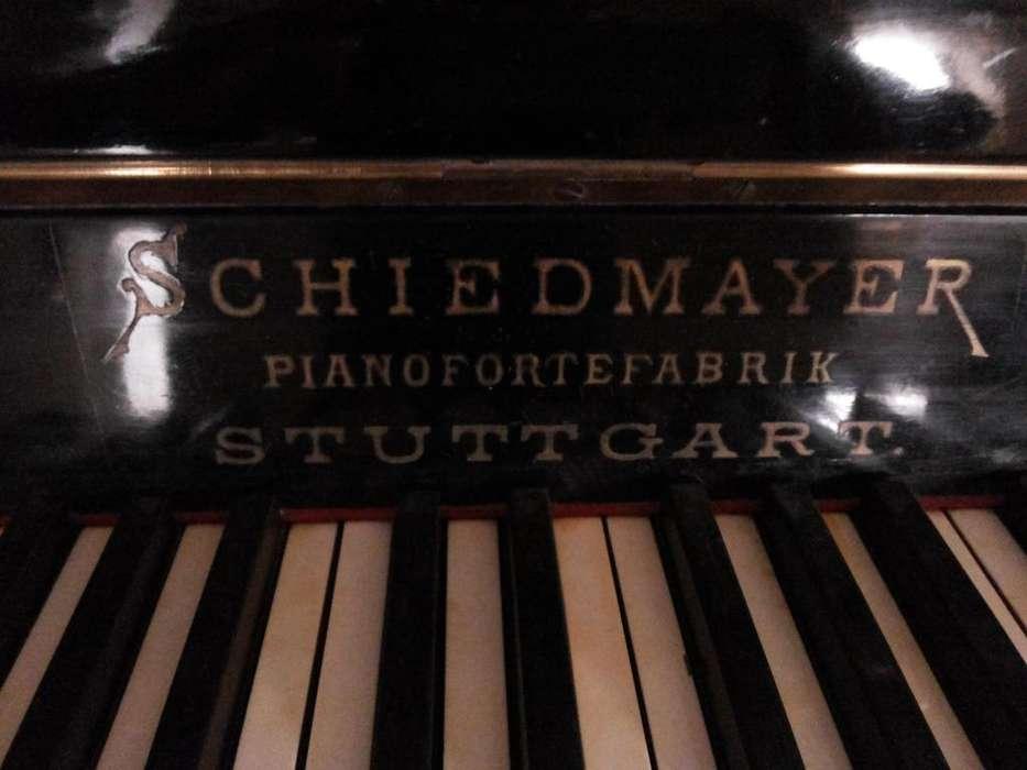 Piano Aleman de Concierto Antiguo.