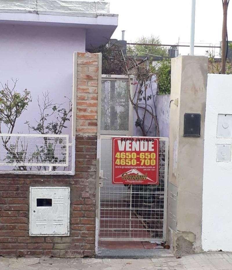 CASA INTERNA ÚNICA - DOS DORMITORIOS  - BUSTAMANTE Y OROÑO