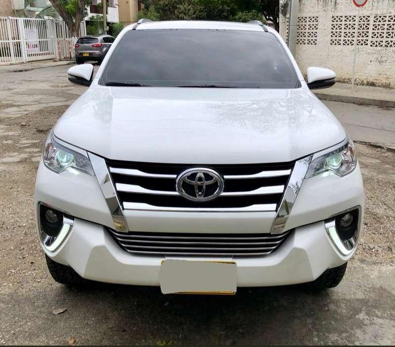 Toyota Fortuner 2019 - 8000 km