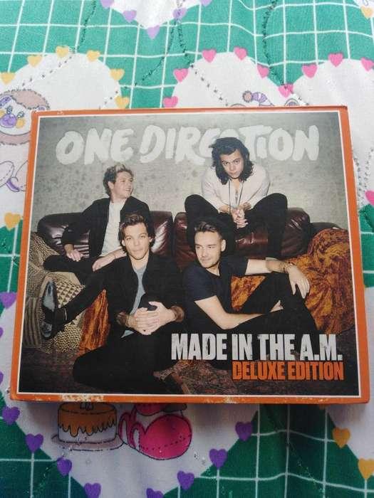 Cds de One Direction.