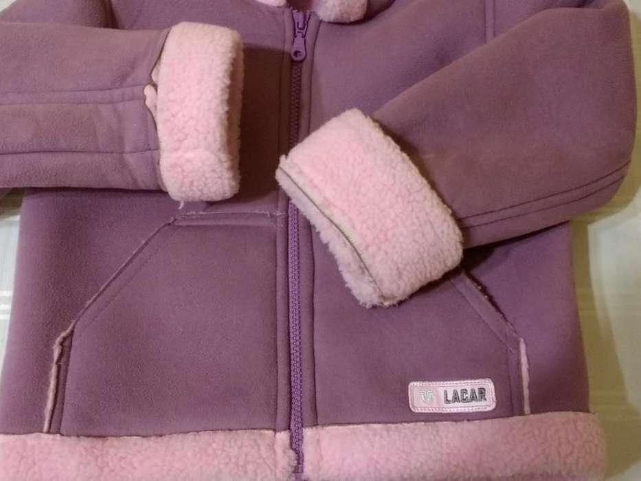 Campera de <strong>abrigo</strong> Nena. Usada.