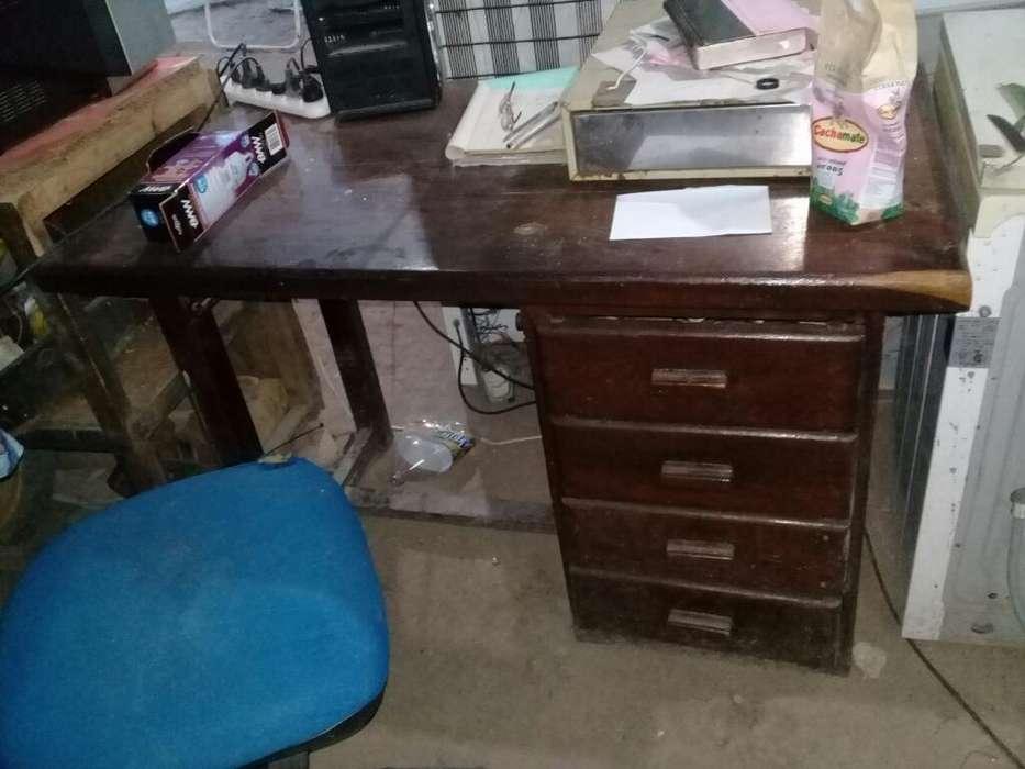 <strong>escritorio</strong> Algarrobo