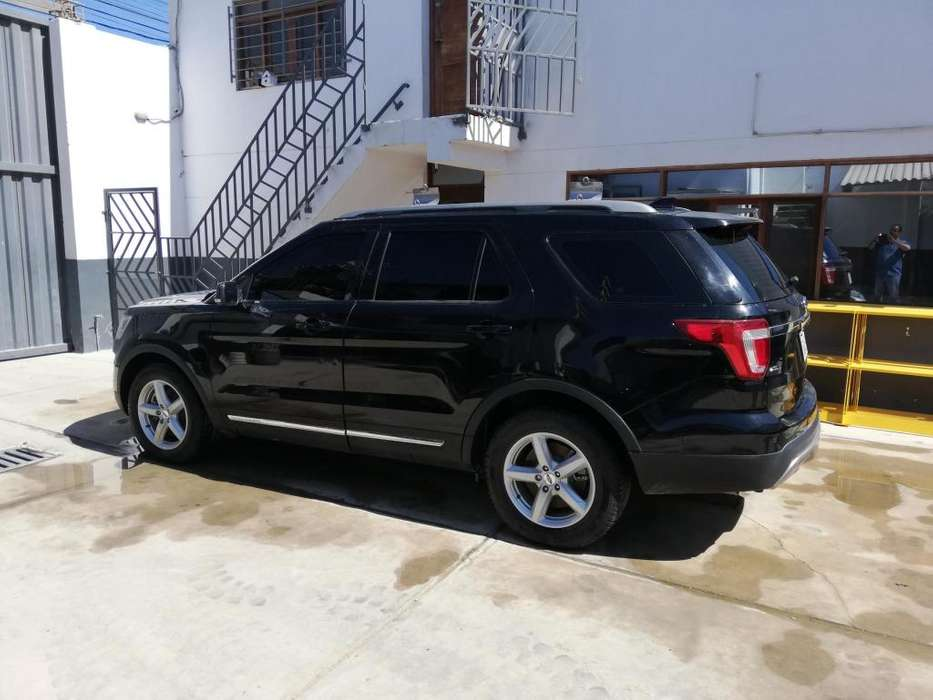 Ford Explorer 2017 - 10500 km