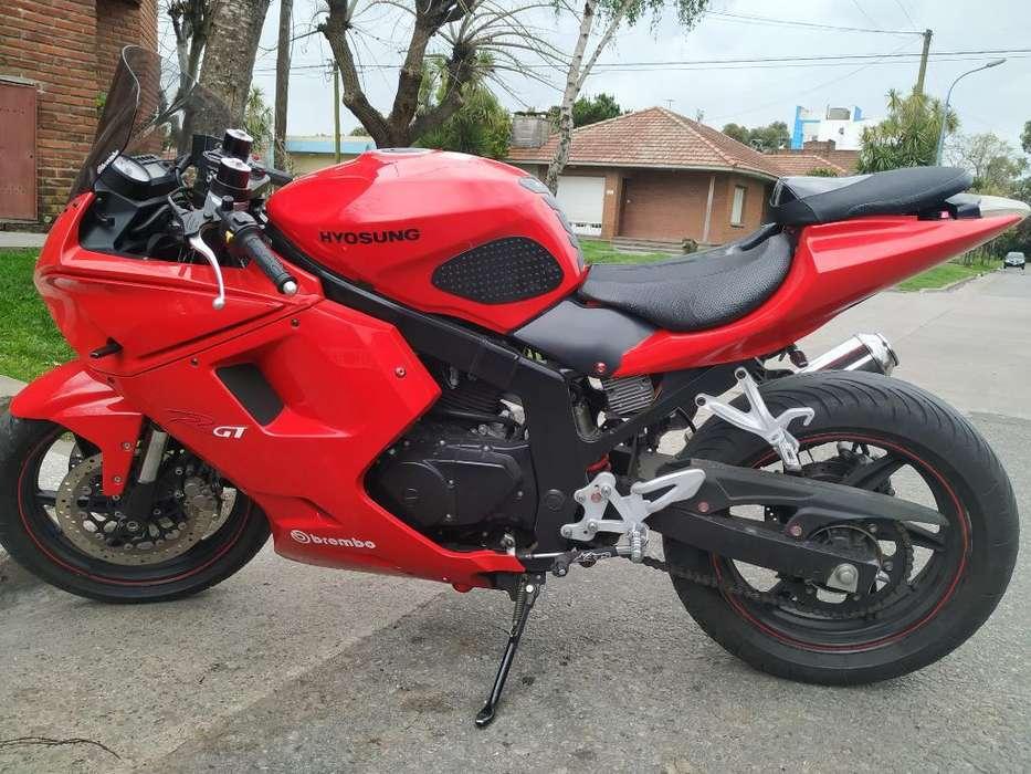 <strong>moto</strong> 250 Pista