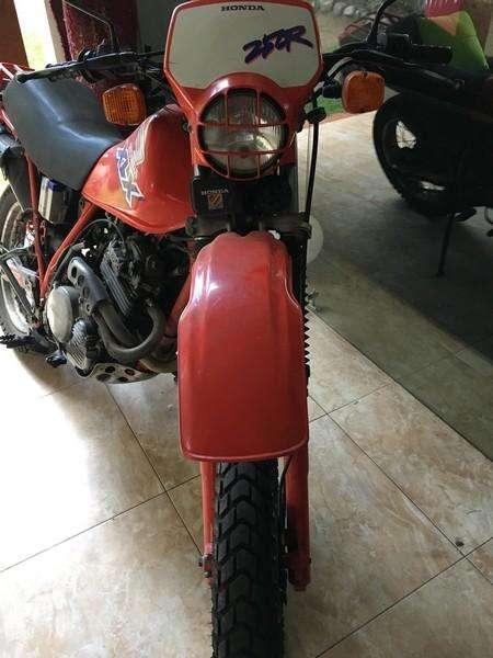 MOTO <strong>honda</strong> XLX 250 DOBLE PROPOSITO