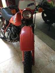 MOTO HONDA XLX 250 DOBLE PROPOSITO