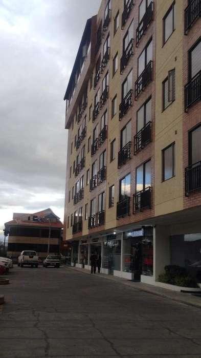 Departamento en Venta Edificio junto al IESS en Paseo de los Cañaris