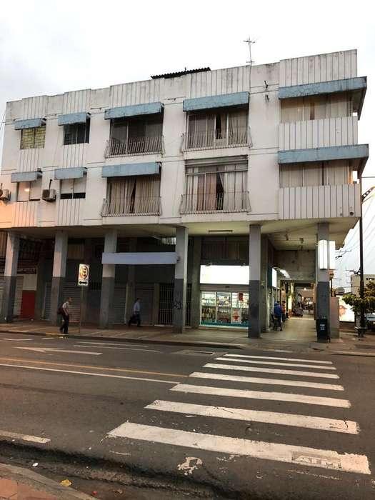 Venta de <strong>edificio</strong> Rentero, Esmeraldas y Portete, Centro Sur