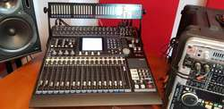 Consola Digital Tascam Dm24