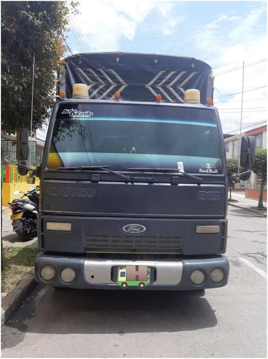 Vendo Ford Cargo