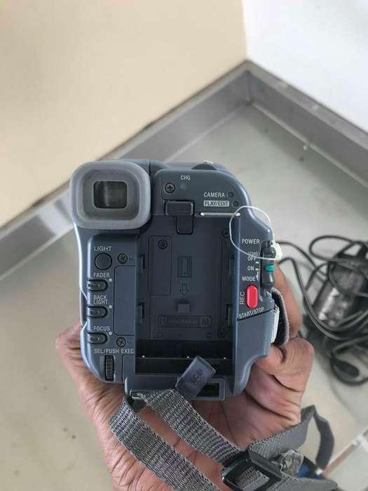 SONY HANDYCAM CCD-TRV328