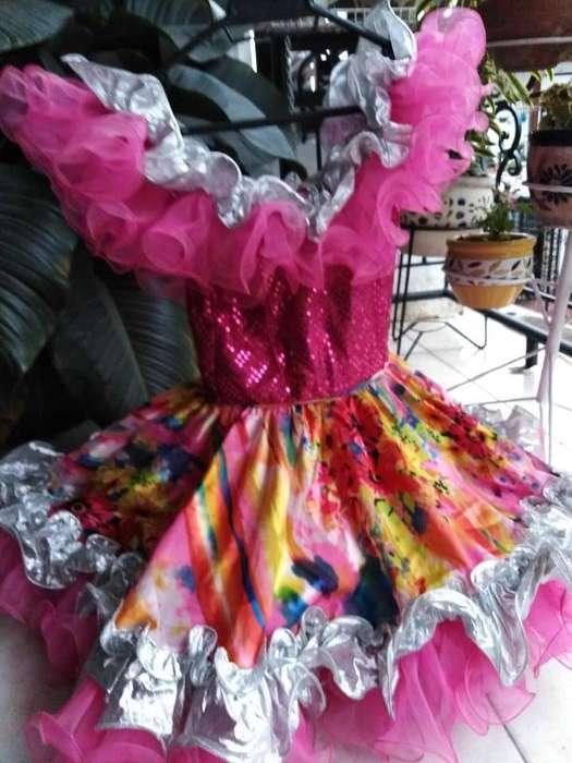Vendo vestidos llaneros para niña