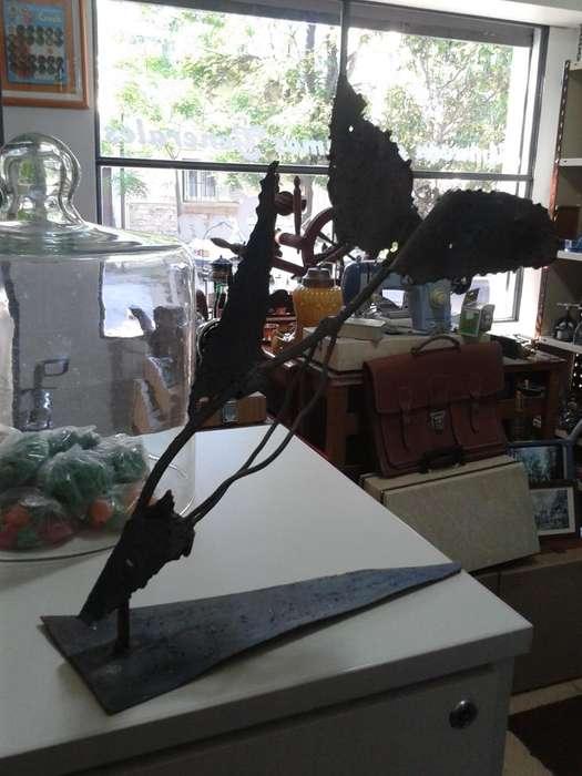 Escultura de pez realizada con chatarra!!!!!!!!!