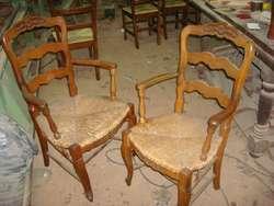 Restauraciones de muebles, encolado, tapizados, lustre, cambio de piezas, etc