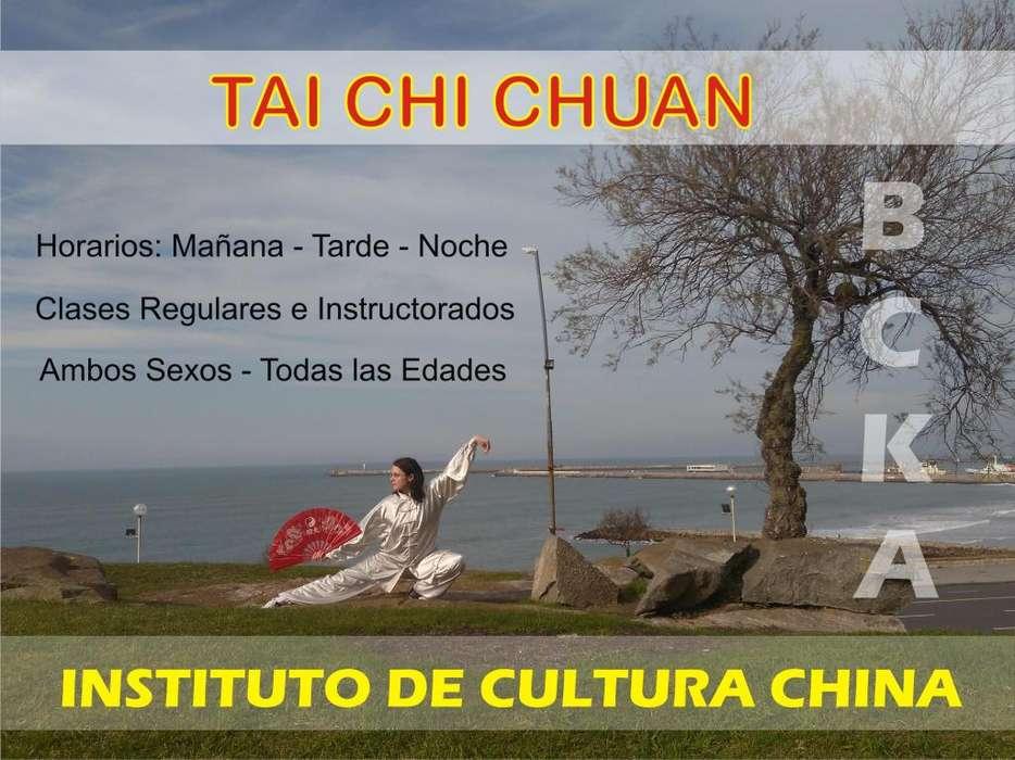 Clases de Tai Chi Chuan en el Instituto de Cultura China