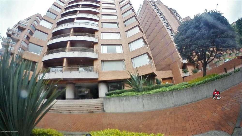 Apartamento en arriendo Los rosales CA FR MLS 19-1081
