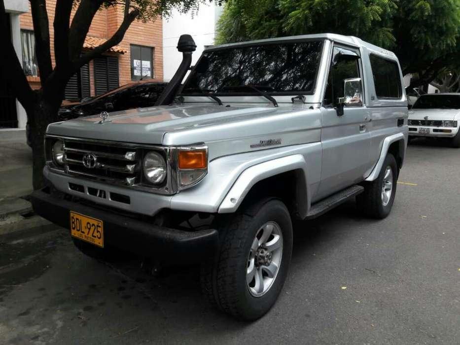 Toyota Land Cruiser 1993 - 302500 km