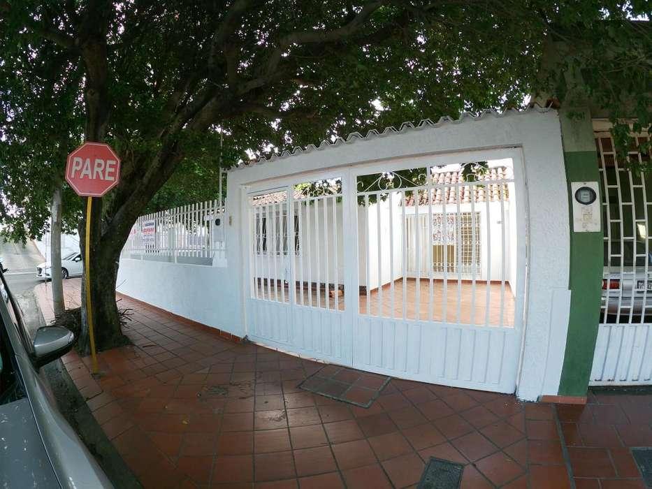 Arrienda Casa, Quinta Bosch, Código 1048