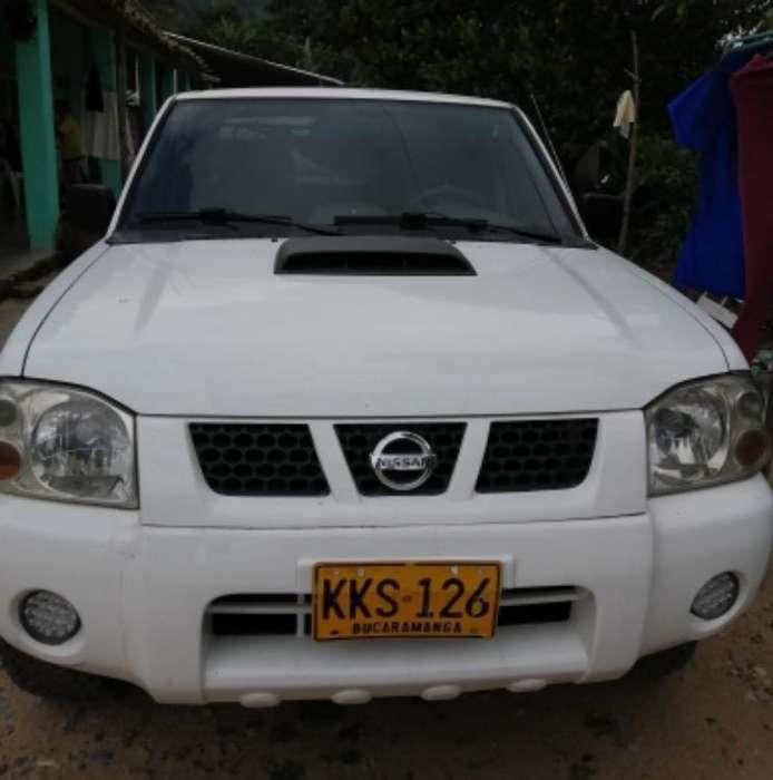Nissan Frontier 2011 - 250000 km