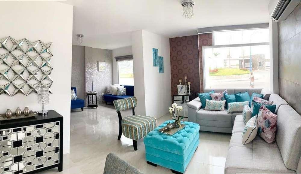 Casa de venta en Manta /urbanización Marina Bay/sector Playa Punta Blanca/