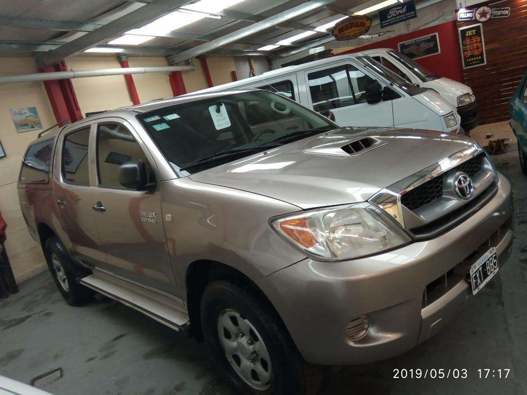 Toyota Hilux Sr 3.0 Doble Cabina 4x2