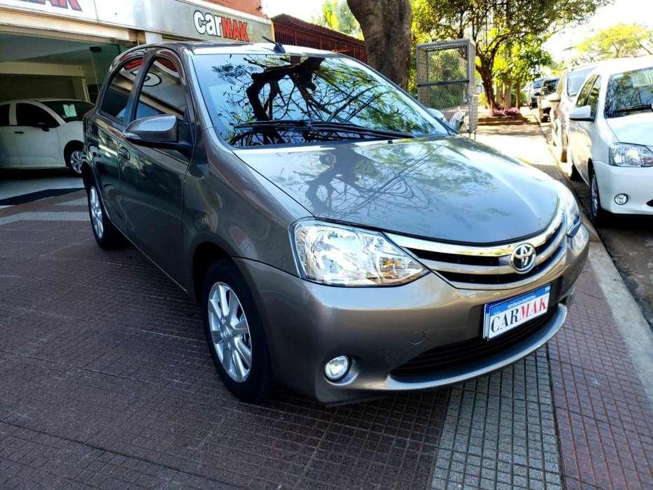 Toyota Etios Hatchback 2017 - 18000 km