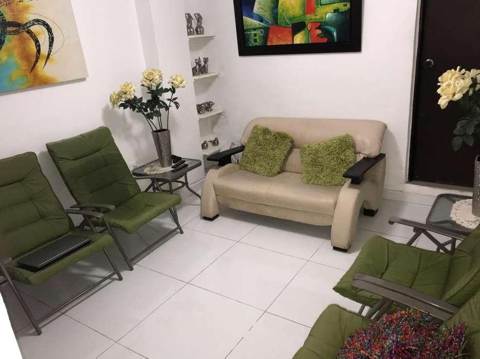 Mueble Y 4 Sillas