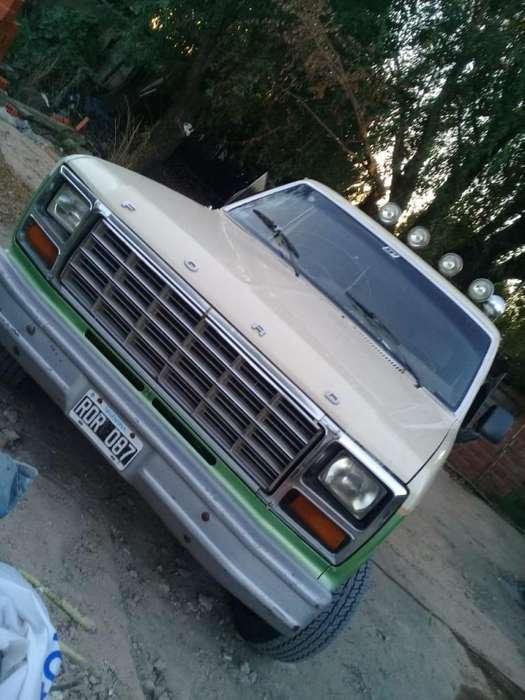 Vendo Ford F100, Modelo 82