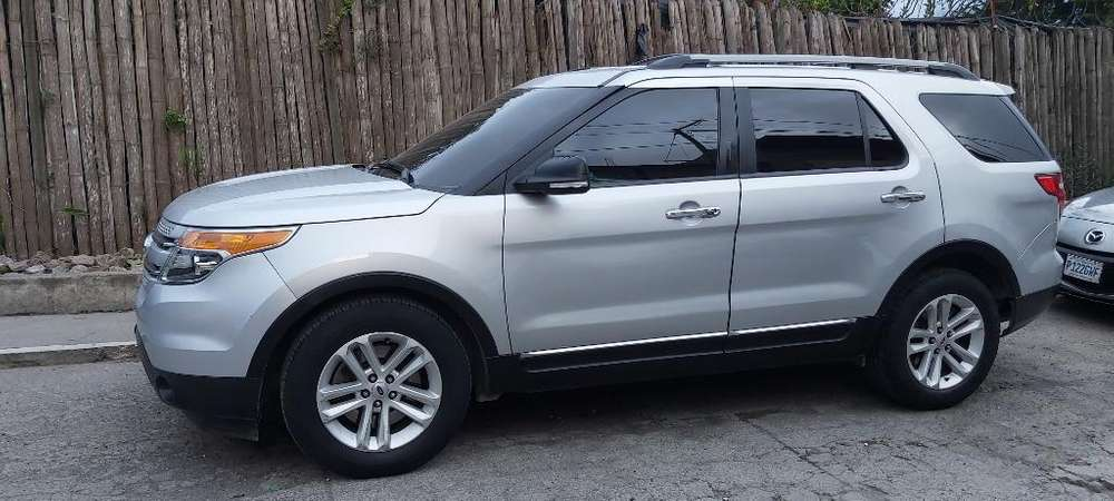 Ford Explorer 2014 - 1 km