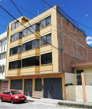 Vendo <strong>edificio</strong> con casa posterior