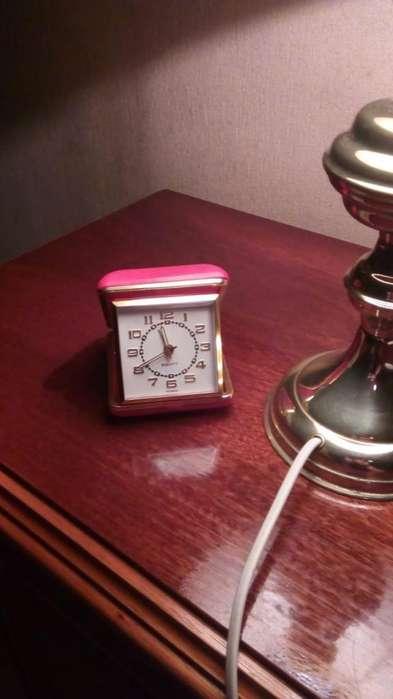 Antiguo Reloj Despertador De Viaje