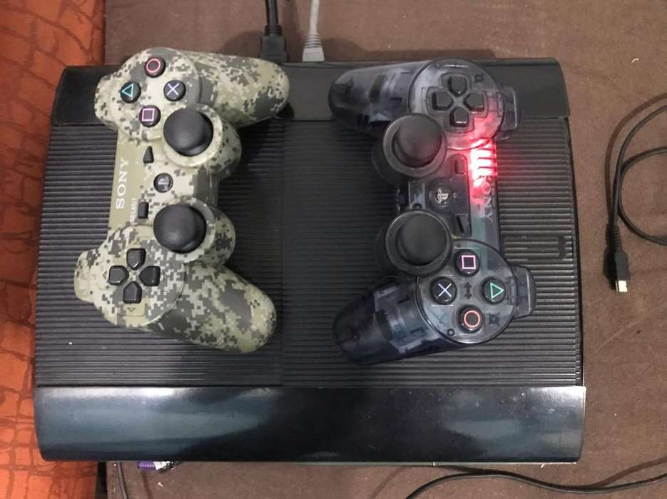 Play Station 3 Flamante