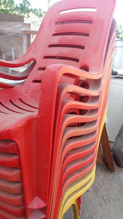 Sevende <strong>sillas</strong> Plasticas Me Voy de Viaje
