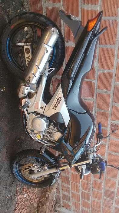 Vendo Moto <strong>yamaha</strong> Fazer 250.