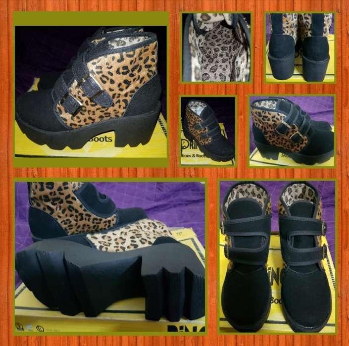 Zapatos Dama Negros con Animal Print