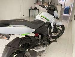 Vendo Moto Discover 150