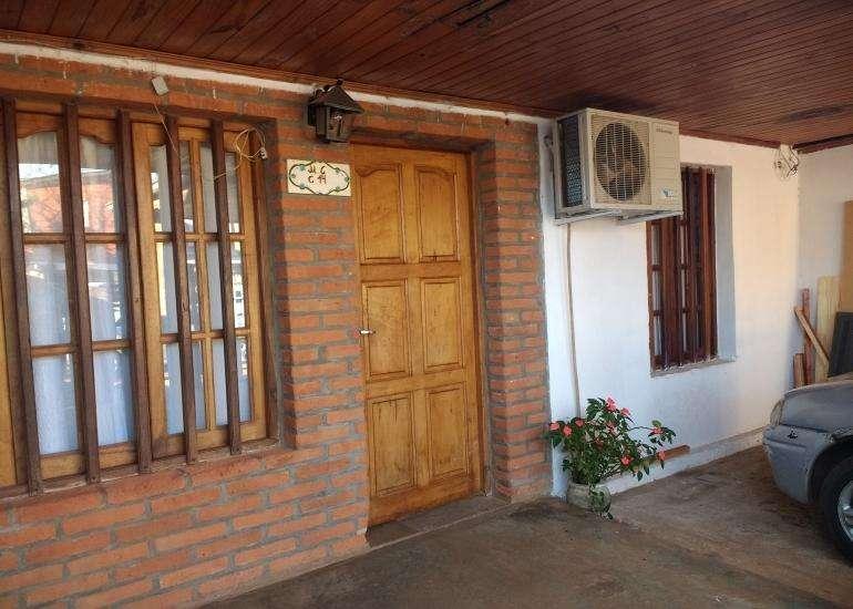 En venta casa de dos plantas zona av. urquiza y jauretche - Apta crÃdito hipotecario