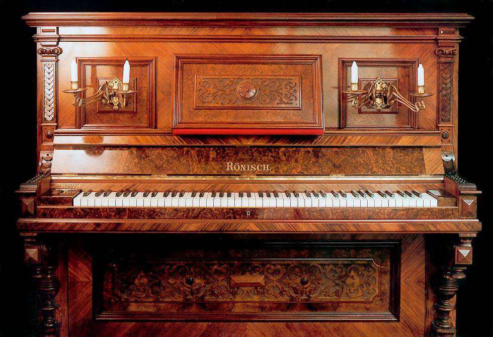 Piano Aleman Marca Rönisch fabricado hace mas de 100 AÑOS