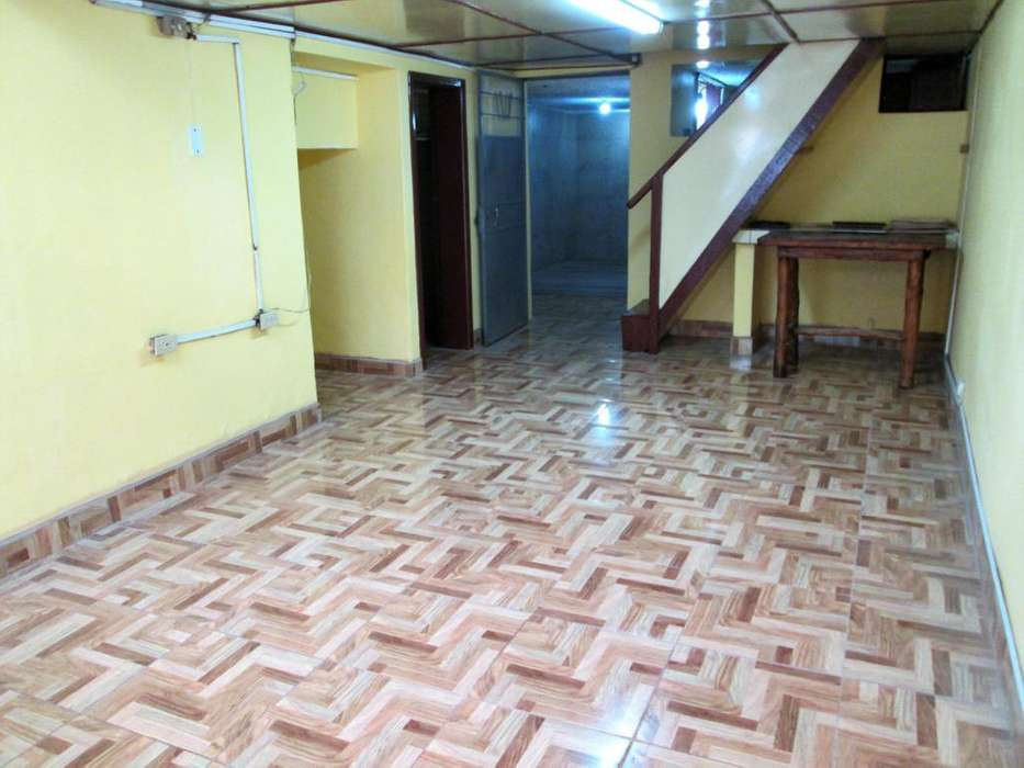 Local comercial en venta sector Pambachupa