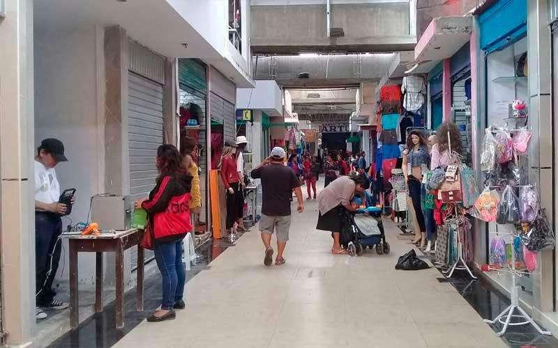 Vendo 2 tiendas en Mercados Pachacutec Ventanilla