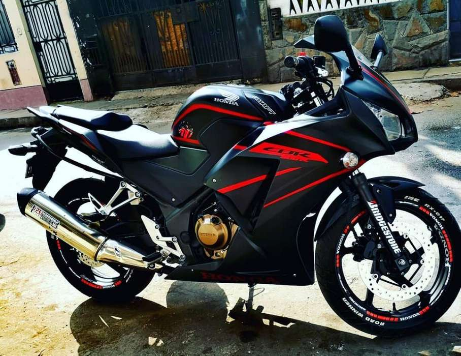 Moto Honda Cbr 300r Casi Nueva 3 Mil Km