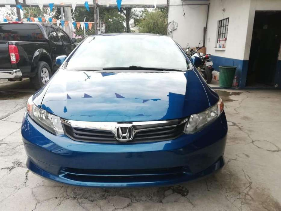 Honda Civic 2012 - 100000 km