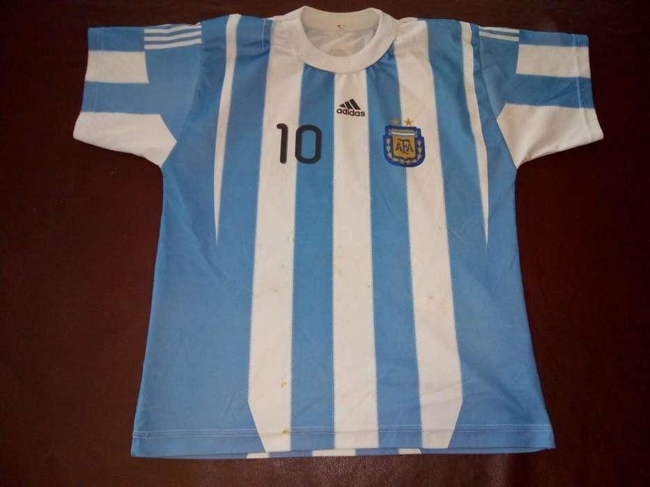 Camiseta Argentina Niño Messi Talle 14