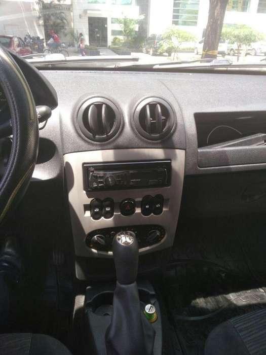 Renault Sandero 2011 - 141500 km
