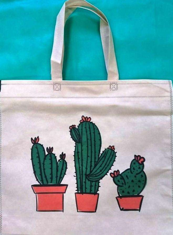 a89f30b17 100 Bolsas Ecológicas Reutilizables con diseño cactus o flor 45x40cm ...